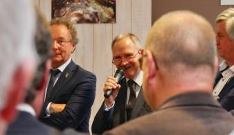 Jose Lemahieu van de Verengining Vlaamse Sommeliers op de Verkiezing Beste Belgische Wijnen